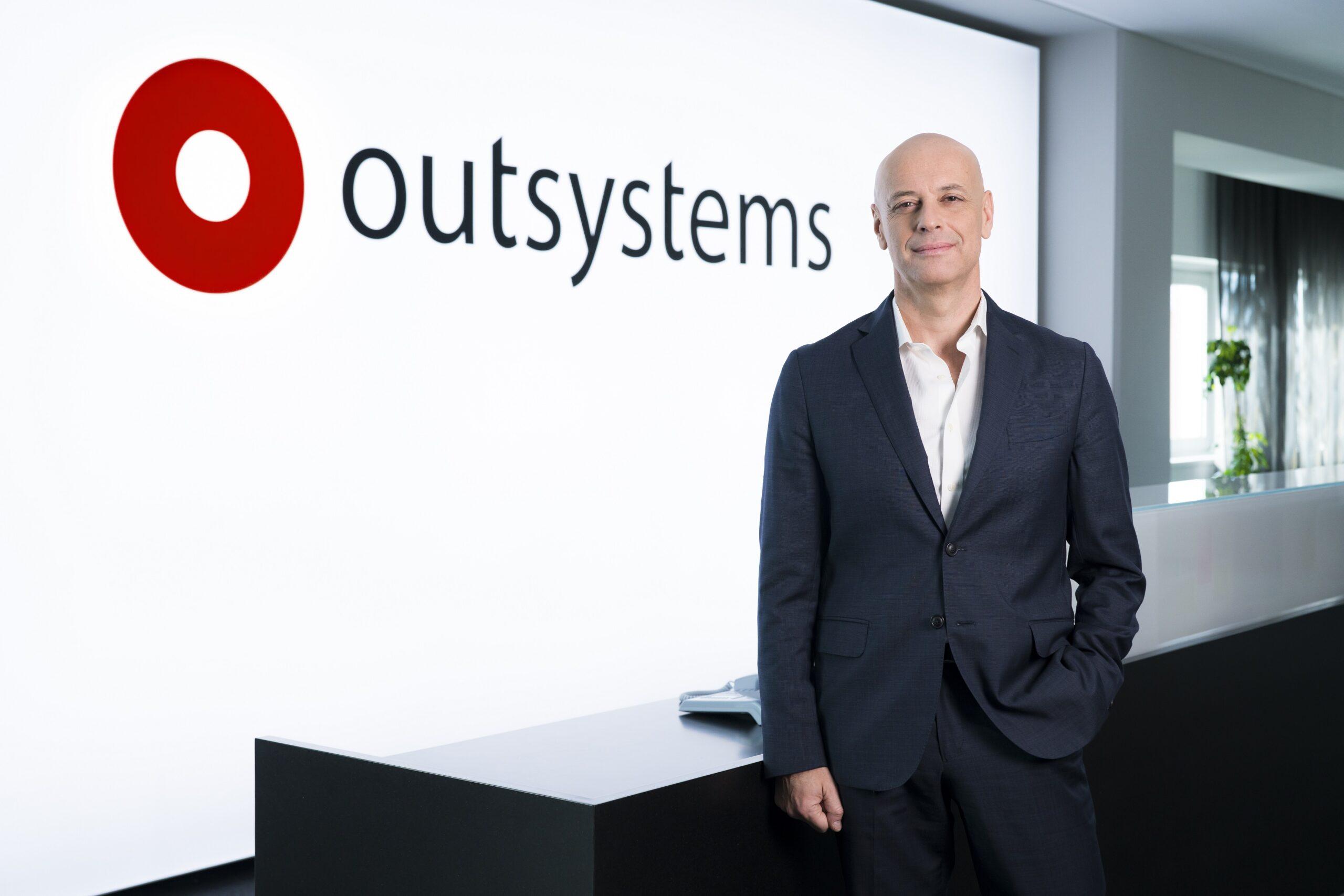 นายเปาโล โรซาโด ประธานบริหารและผู้ก่อตั้งบริษัทOutSystems